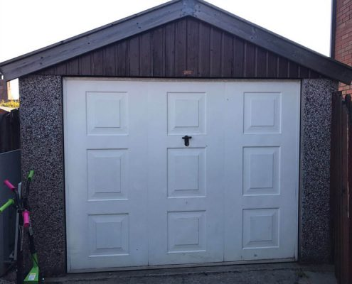 garage door repsprayed