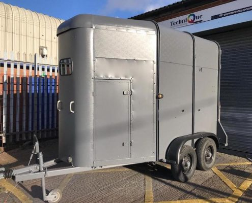 horse box resprayed